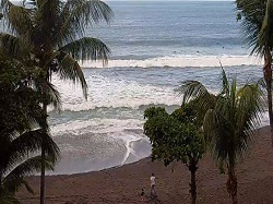 Live view of Costa Rica's Playa Hermonsa surf and weather conditions